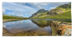 Hand Towel featuring the photograph Idwal Lake Snowdonia by Adrian Evans