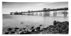 Bath Towel featuring the photograph Llandudno Pier by Adrian Evans
