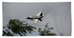 Hand Towel featuring the photograph Lockheed Martin F-35 Lightning II by Shirley Mitchell