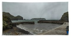 Hand Towel featuring the photograph Mullion Cove by Brian Roscorla