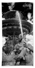 Place De La Concorde Fountain Bath Towel