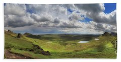 Quiraing And Trotternish - Panorama Bath Towel