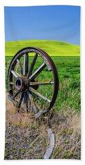Rustic Wagon Wheel In The Palouse Bath Towel by James Hammond