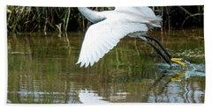Snowy Egret Takeoff Bath Towel