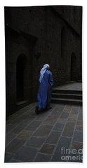 Walk Of Faith Bath Towel by Therese Alcorn