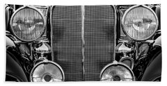 1933 Buick Series 50 Coupe Close-up - Black And White Hand Towel