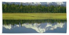 1m1325 Mt. Hunter And Mt. Denali Hand Towel