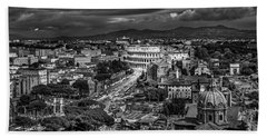 Hand Towel featuring the photograph Il Colosseo by Sonny Marcyan