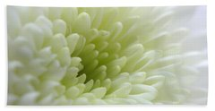 White Chrysanthemum Bath Towel