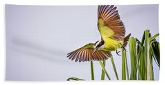 Great Crested Flycatcher Bath Towel