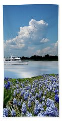 Hand Towel featuring the photograph 4464 by Peter Holme III