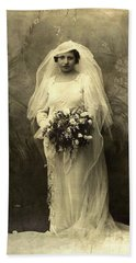 A Beautiful Vintage Photo Of Coloured Colored Lady In Her Wedding Dress Hand Towel