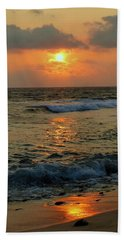 Hand Towel featuring the photograph A Sunset To Remember by Lori Seaman