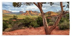 Bath Towel featuring the photograph A Tree In Sedona by James Eddy