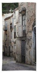 Alleyway In Sicily Bath Towel