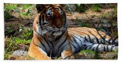 Bath Towel featuring the mixed media Amur Tiger 1 by Angelina Vick
