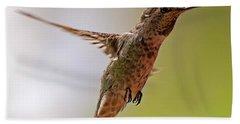 Bath Towel featuring the photograph Anna's Hummingbird H24 by Mark Myhaver