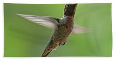 Hand Towel featuring the photograph Anna's Hummingbird H48 by Mark Myhaver