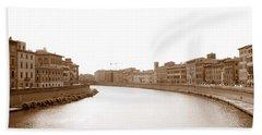 Arno River In Pisa Bath Towel