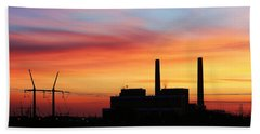 Hand Towel featuring the photograph A Gentleman Sunrise by Bill Kesler