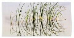 Bath Towel featuring the photograph Graceful Grass by Bill Kesler
