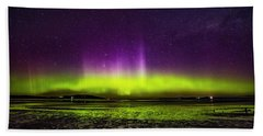 Hand Towel featuring the photograph Aurora Australis by Odille Esmonde-Morgan