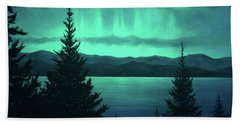 Aurora Over Lake Pend Oreille Bath Towel