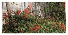 Bath Towel featuring the photograph Austin Winter Berries by Linda Phelps