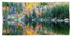 Bath Towel featuring the photograph Autumn Mirror At Bear Lake by David Chandler