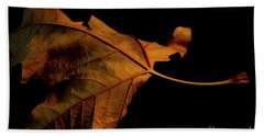 Autumn Solitary Leaf Hand Towel