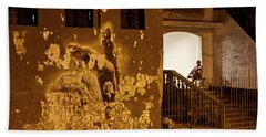 Bath Towel featuring the photograph Avenue De Los Presidentes Havana Cuba by Charles Harden