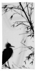 Baby Egret Waits Hand Towel by Linda Shafer
