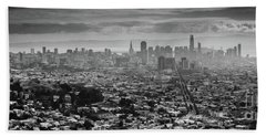 Back And White View Of Downtown San Francisco In A Foggy Day Bath Towel