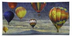 Balloons Over Sister Mountains Bath Towel