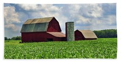 Barn In The Corn Bath Towel