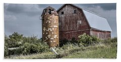 Barn On Hill Bath Towel