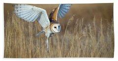 Barn Owl In Grass Hand Towel