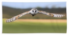 Barn Owl Swoop Bath Towel