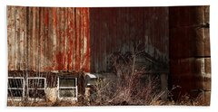 Hand Towel featuring the digital art Barn - Waupaca County by David Blank