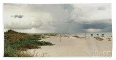 Bath Towel featuring the photograph Beach Day by Raymond Earley