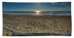 Beach With Wood Trunk - Spiaggia Con Tronco Iv Bath Towel