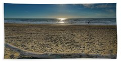 Beach With Wood Trunk - Spiaggia Con Tronco Iv Bath Towel
