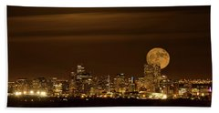 Bath Towel featuring the photograph Beaver Moonrise by Kristal Kraft