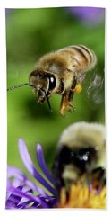 Bee In Flight  Bath Towel