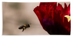 Bee Right Profile Flying To Red Flower Bath Towel