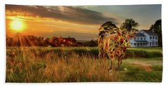 Hand Towel featuring the photograph Bessie by Mark Fuller