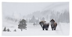 Bison In The Snow Bath Towel by Gary Lengyel