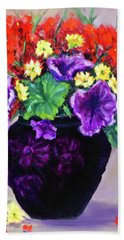 Black Amethyst Satin Vase Bath Towel