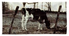 Black And White - Cow In Pasture - Vintage Bath Towel