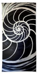 Black And White Nautilus Spiral Bath Towel